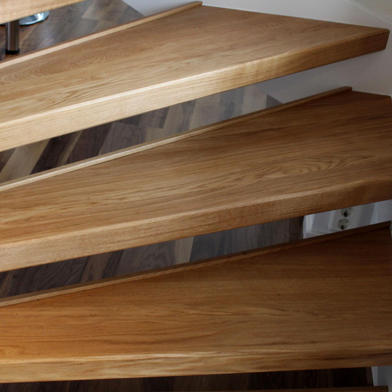 ny trappa renoverad svenskatrappsteg trapprenoveringar och andra tj nster kring trappor och. Black Bedroom Furniture Sets. Home Design Ideas